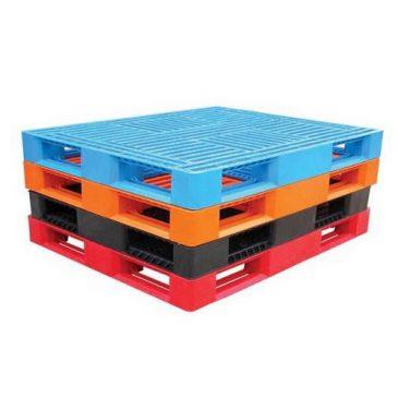 Beneficios y Ventajas de los pallets de Plástico, en comparación con los pallets de madera